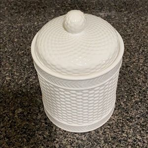 Homeessentials  Canister